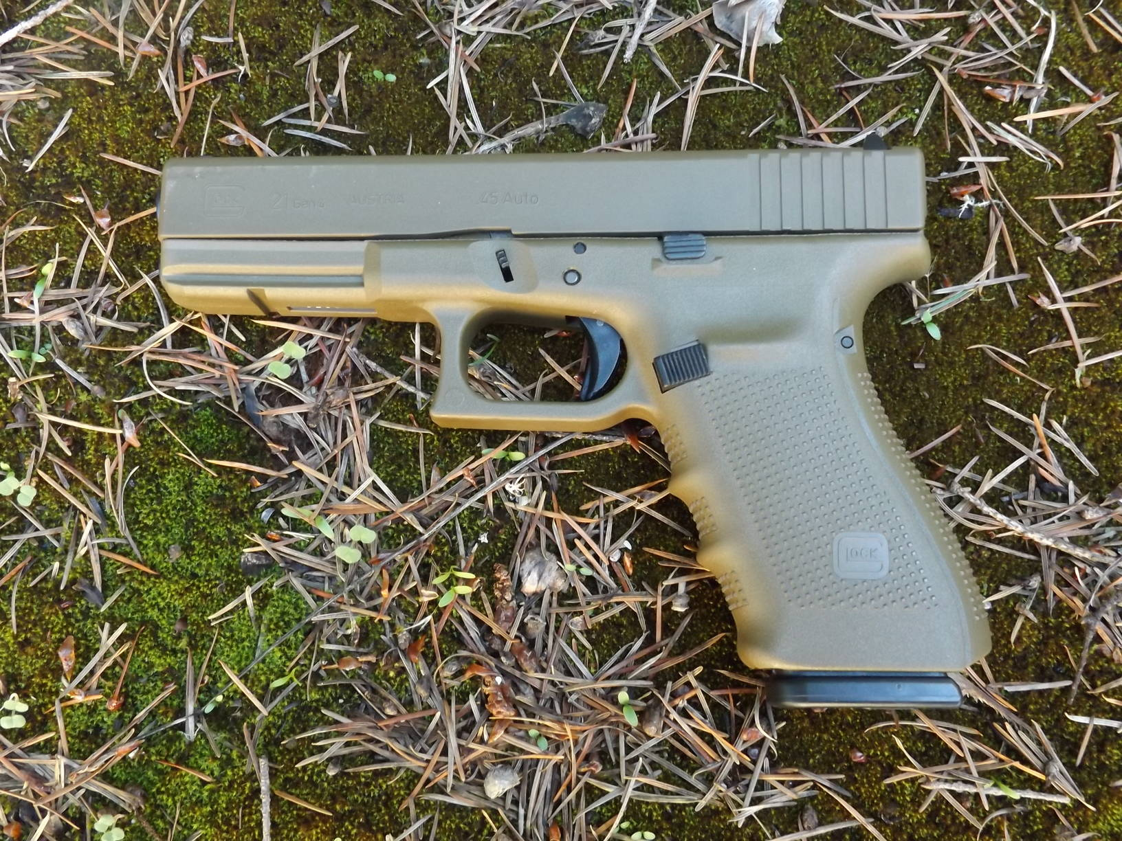 Glock 21  .45 ACP, by Pat Cascio