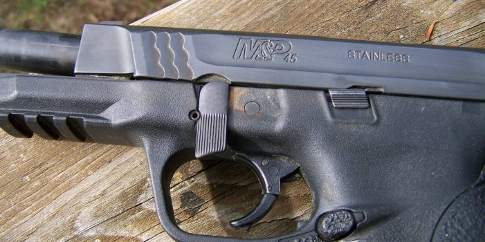 E-Mail 'Tips On Buying Used Handguns, by Pat Cascio' To A Friend