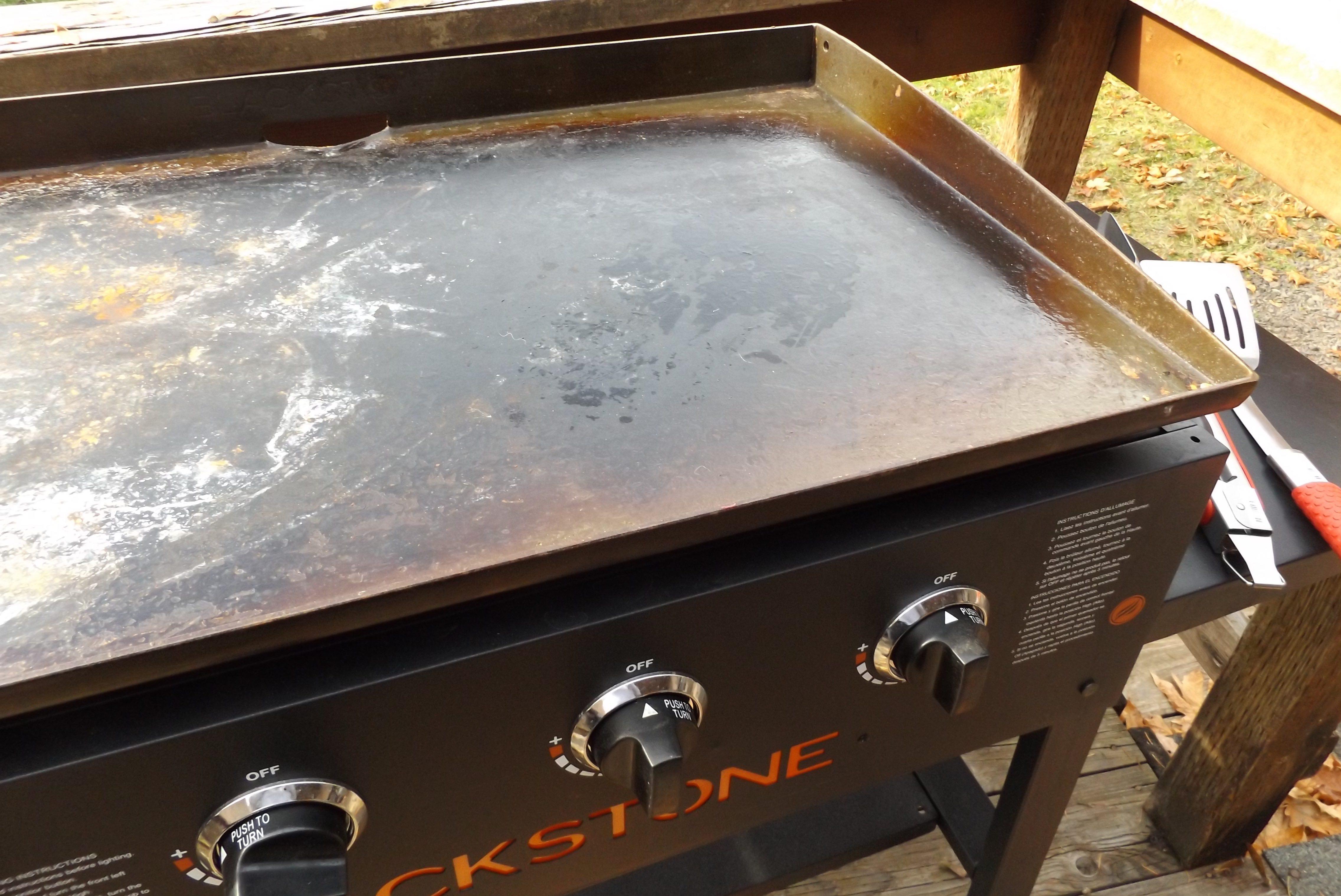 Blackstone Griddle review, by Pat Cascio. Four burners