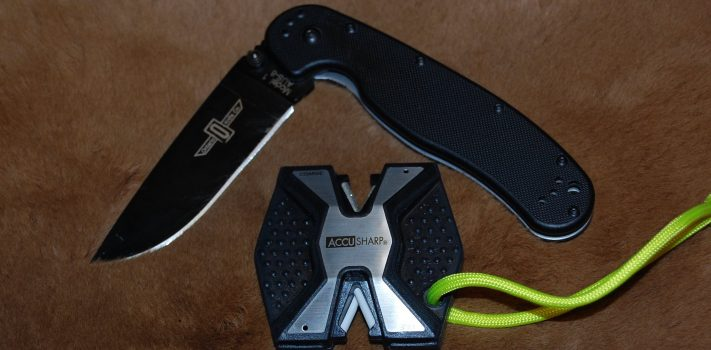Ontario RAT 1 Knife and AccuSharp Diamond PRO Sharpener, by The Novice